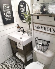 Classy Bathroom Décor Ideas23