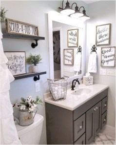 Classy Bathroom Décor Ideas28