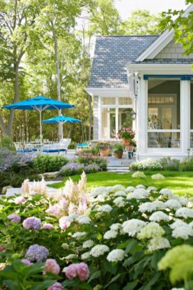 Cute Landscaping Ideas You Can Put In House Page36