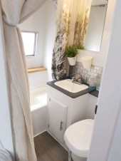 Fascinating Rv Remodel Ideas For Bathroom On A Budget27