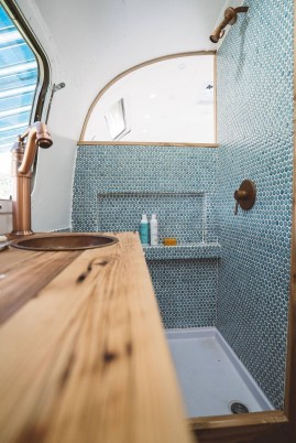 Fascinating Rv Remodel Ideas For Bathroom On A Budget43