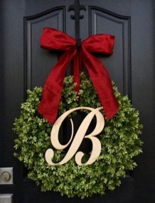 Pretty Front Door Wreath Ideas30