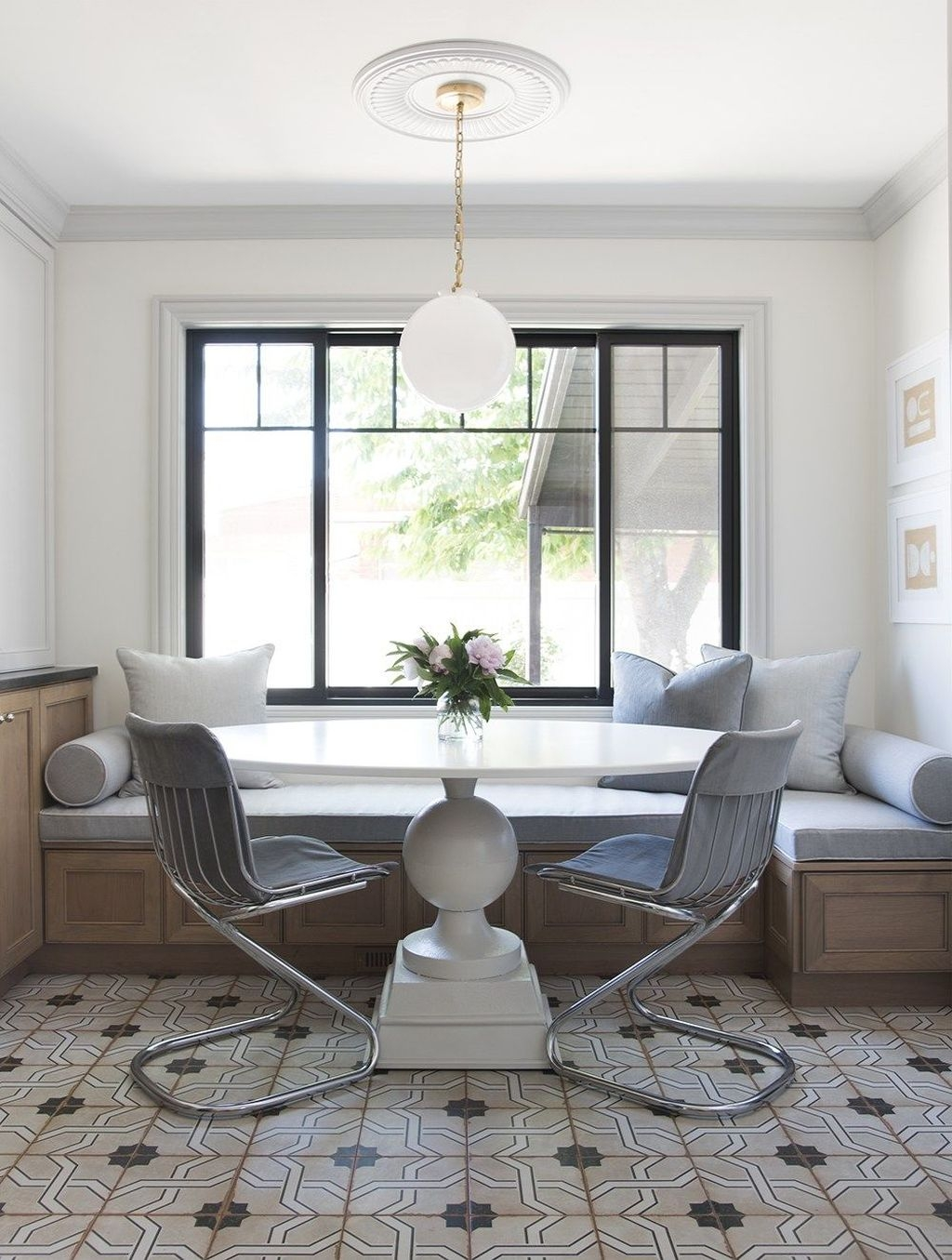 Best Minimalist Dining Room Design Ideas For Dinner With Your Family11