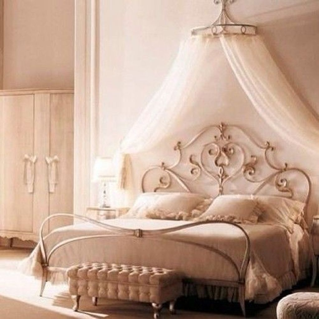 Pretty Princess Bedroom Design And Decor Ideas For Your Lovely Girl19