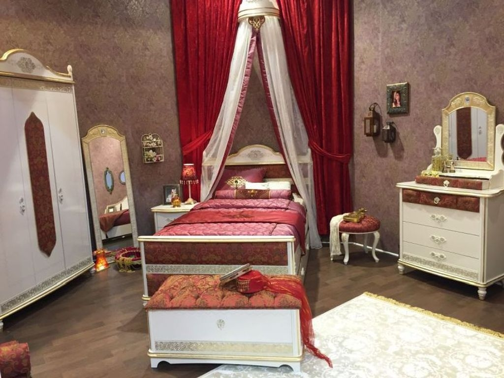 Pretty Princess Bedroom Design And Decor Ideas For Your Lovely Girl41