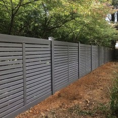 Smart Backyard Fence And Garden Design Ideas For Your Garden24