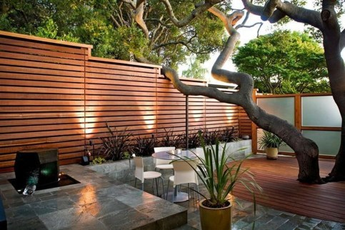 Smart Backyard Fence And Garden Design Ideas For Your Garden37