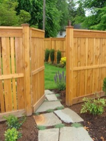 Smart Backyard Fence And Garden Design Ideas For Your Garden43