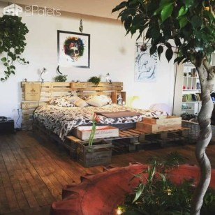 Unordinary Recycled Pallet Bed Frame Ideas To Make It Yourself15