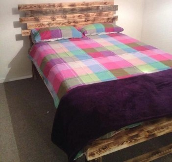 Unordinary Recycled Pallet Bed Frame Ideas To Make It Yourself27