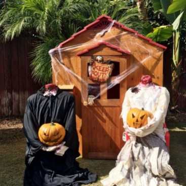 Amazing Outdoor Halloween Decorations Ideas For This Year03
