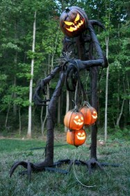 Amazing Outdoor Halloween Decorations Ideas For This Year18