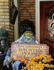 Awesome Scary Halloween Porch Ideas To Try Today10