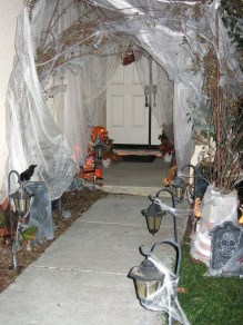 Awesome Scary Halloween Porch Ideas To Try Today11