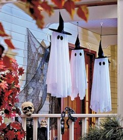 Awesome Scary Halloween Porch Ideas To Try Today19