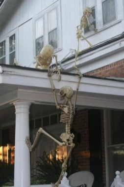 Casual Halloween Decorations Ideas That Are So Scary21