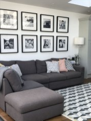 Comfy Living Room Decor Ideas To Make Anyone Feel Right At Home04