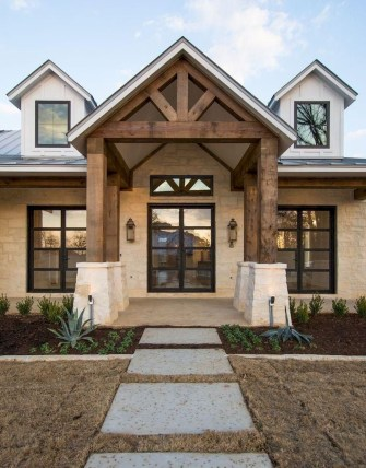 Cozy Farmhouse Exterior Design Ideas That Looks Cool04