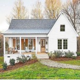 Cozy Farmhouse Exterior Design Ideas That Looks Cool43
