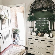 Excellent Fall Decorating Ideas For Home With Farmhouse Style23