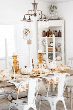 Excellent Fall Decorating Ideas For Home With Farmhouse Style25