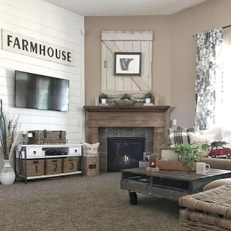 Gorgeous Country Farmhouse Decor Ideas For Living Room23