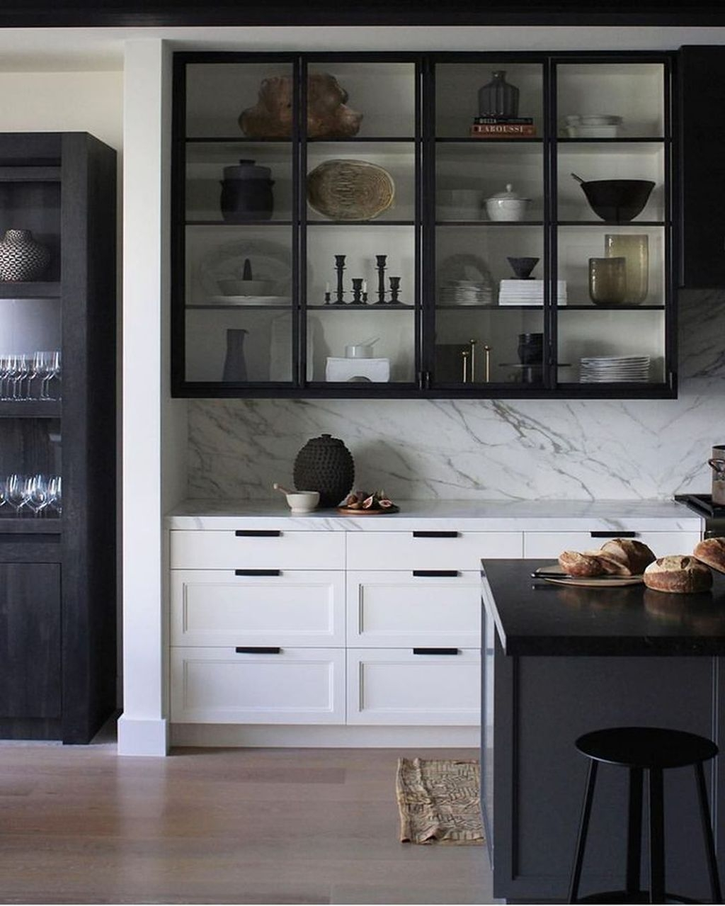 Incredible Black And White Kitchen Ideas To Try30
