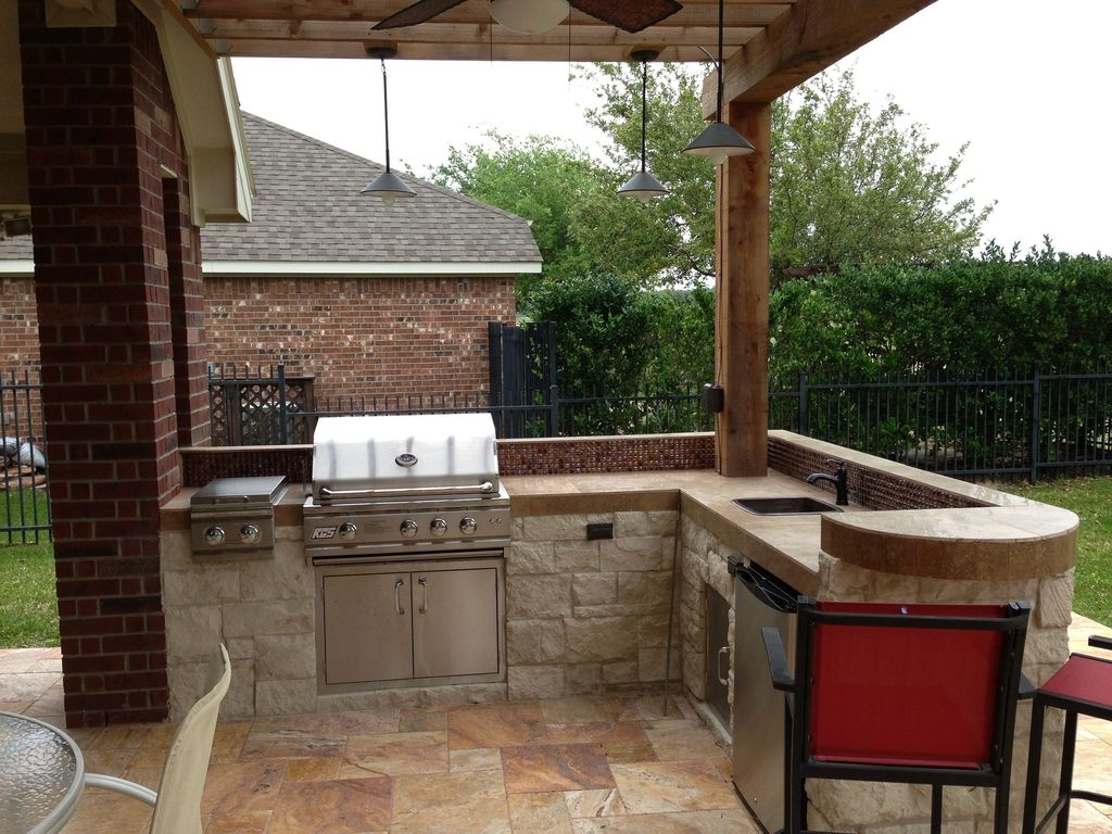 Newest Outdoor Kitchen Decoration Ideas To Make Cozy Kitchen18