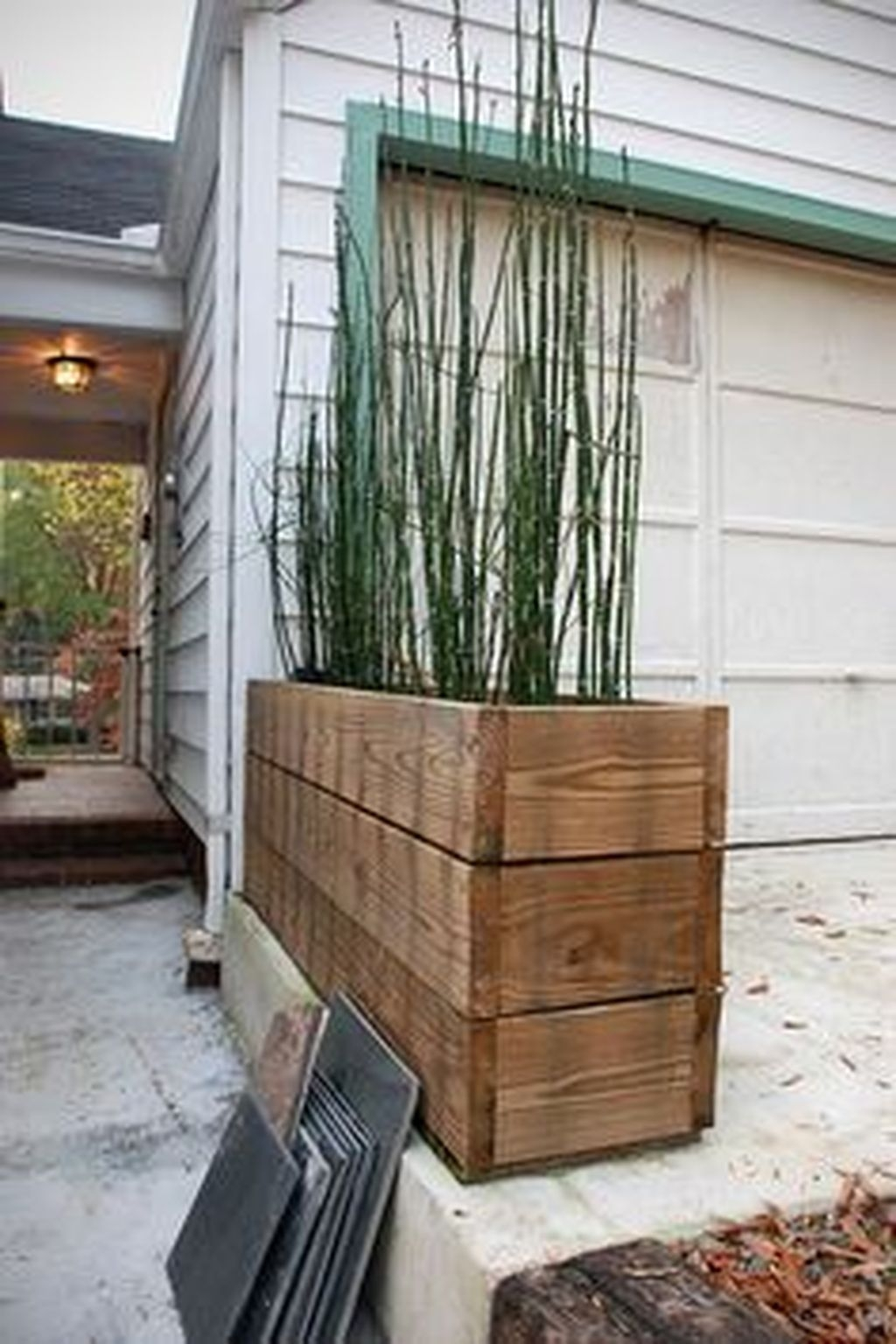 Pretty Privacy Fence Planter Boxes Ideas To Try30