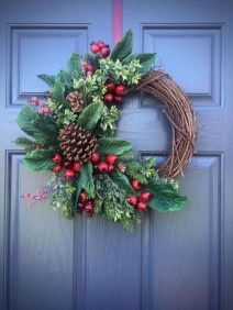 Pretty Wreath Decor Ideas To Hang On Your Door05