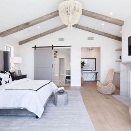 Spectacular Farmhouse Master Bedroom Decorating Ideas To Copy14