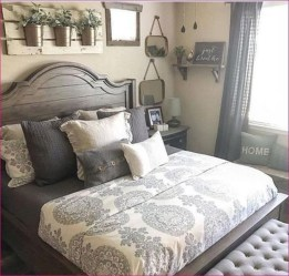 Spectacular Farmhouse Master Bedroom Decorating Ideas To Copy20