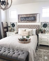 Spectacular Farmhouse Master Bedroom Decorating Ideas To Copy26