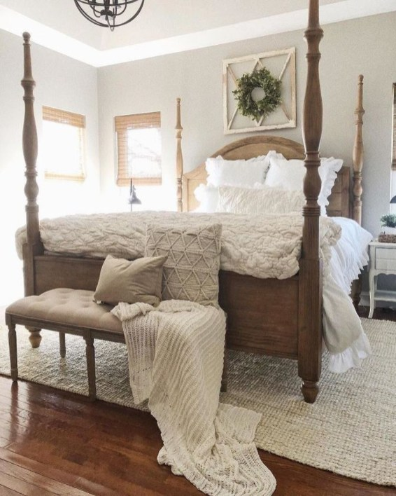 Spectacular Farmhouse Master Bedroom Decorating Ideas To Copy44
