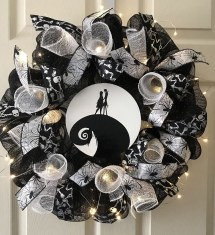 Stunning Diy Halloween Wreaths Design Ideas That Looks Cool10