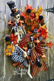 Stunning Diy Halloween Wreaths Design Ideas That Looks Cool20