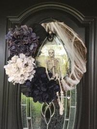 Stunning Diy Halloween Wreaths Design Ideas That Looks Cool37