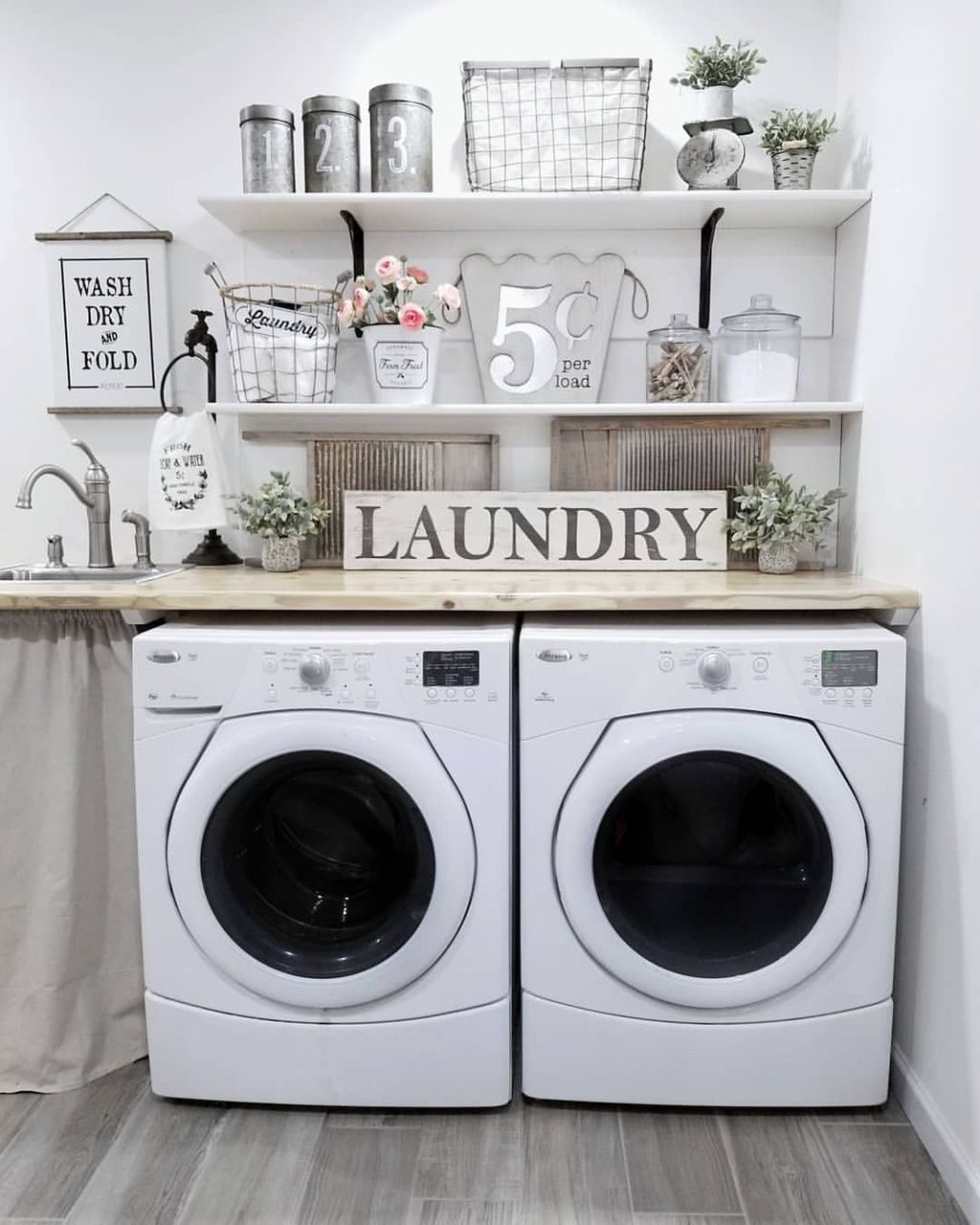 Charming Small Laundry Room Design Ideas For You03