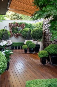 Chic Small Courtyard Garden Design Ideas For You08