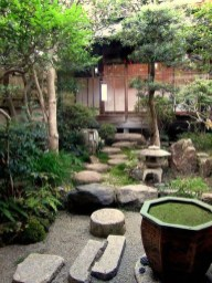 Chic Small Courtyard Garden Design Ideas For You13
