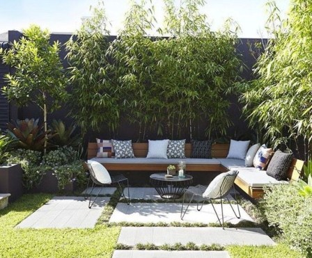 Chic Small Courtyard Garden Design Ideas For You25