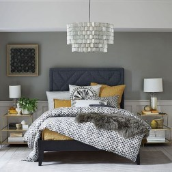 Cute Chandeliers Decoration Ideas For Your Bedroom13