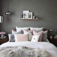 Cute Chandeliers Decoration Ideas For Your Bedroom23