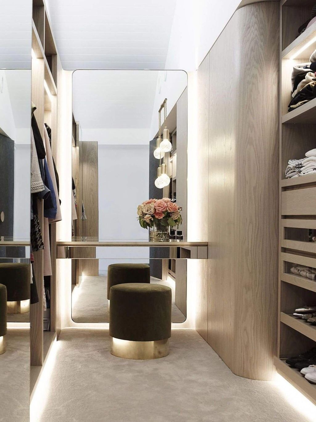 Spectacular Wardrobe Designs Ideas To Store Your Clothes In28