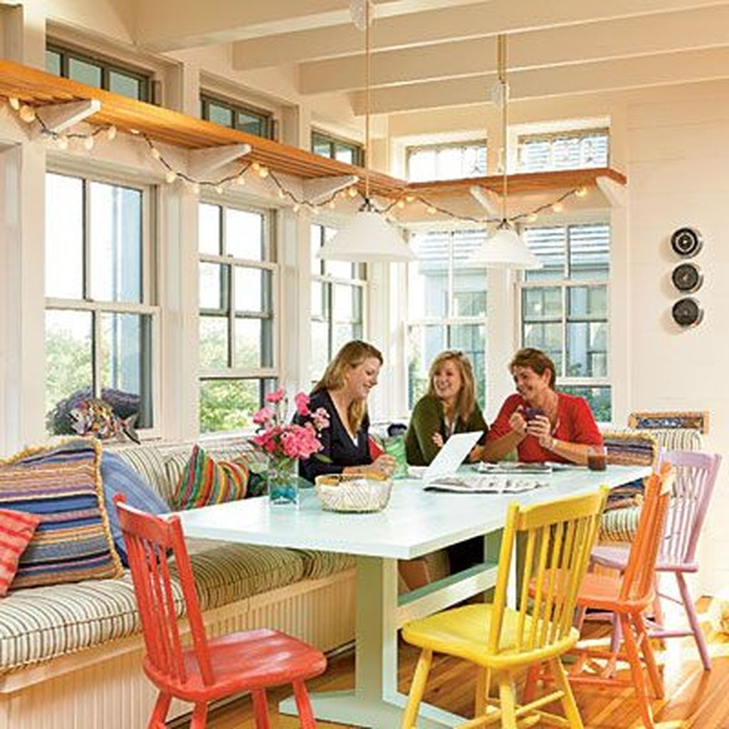 Stunning Dining Room Design Ideas With Multicolored Chairs17