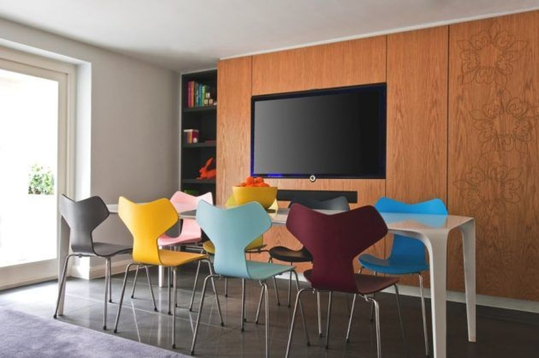 Stunning Dining Room Design Ideas With Multicolored Chairs19