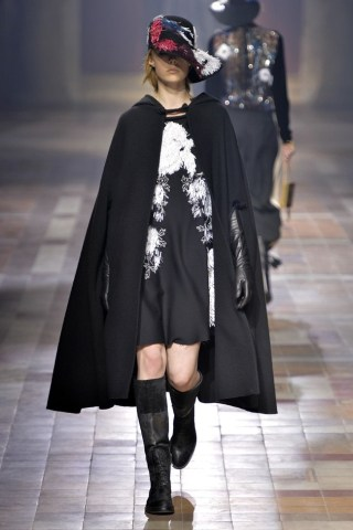 chloe herfst winter 2015 trend cape