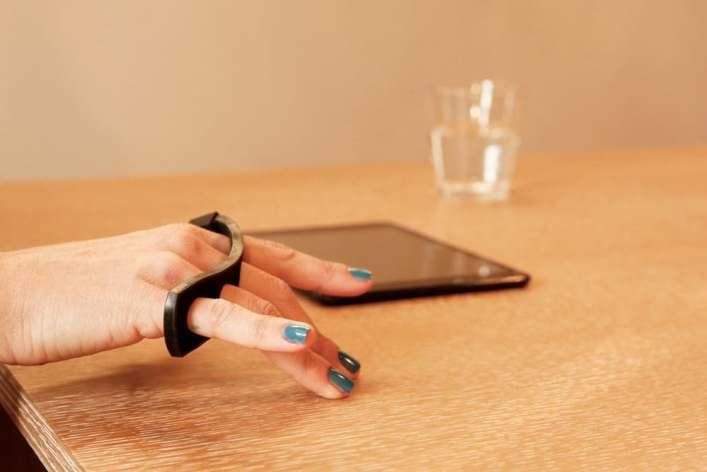 tap-strap-wearable-bluetooth-keyboard-6