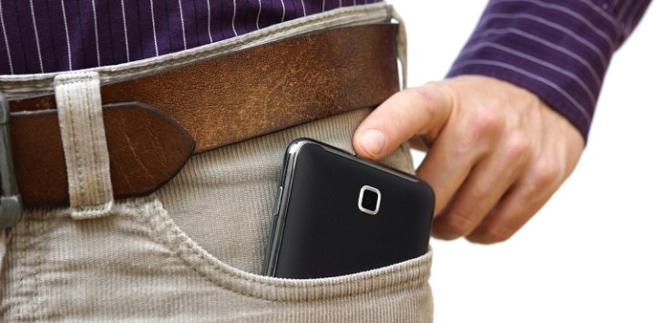 Cellphone in Trouser Pockets May hamper the reproductive health of Men!