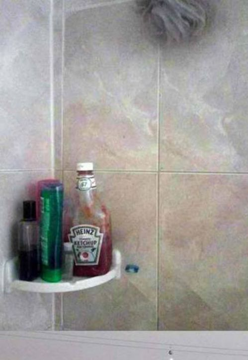People wash their hair with Heinz ketchup